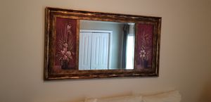 Wall mirror with accent pictures. for Sale in Ruskin, FL