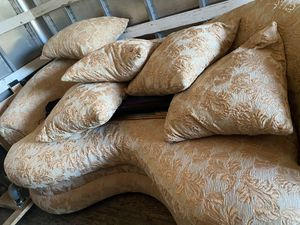 Round bottom sofa for Sale in Houston, TX