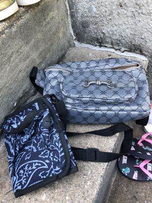 2 shoulder bags for Sale in Parkville, MD