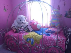 Princess Carousel Bed Frame for Sale in Hialeah, FL