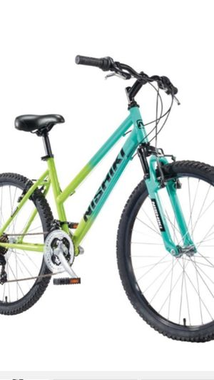 NIKISHI WOMENS MOUNTAIN BIKE for Sale in Ann Arbor, MI