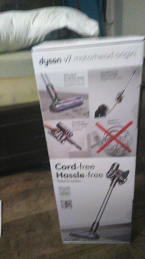 Dyson v7 Motorhead origin cord free jasle freepowerful suctiion for Sale in Garden Grove, CA