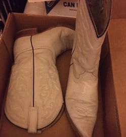Man Boots Size 6 1/2 for Sale in North Las Vegas,  NV