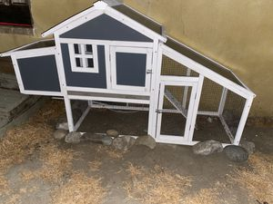 Chicken Coop for Sale in Los Angeles, CA