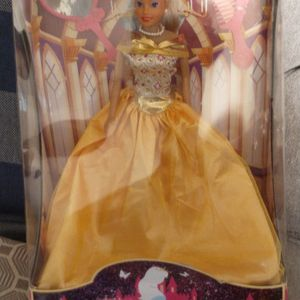 Girls doll for Sale in San Bernardino, CA