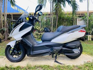 Kymco downtown 300cc for Sale in Miami, FL