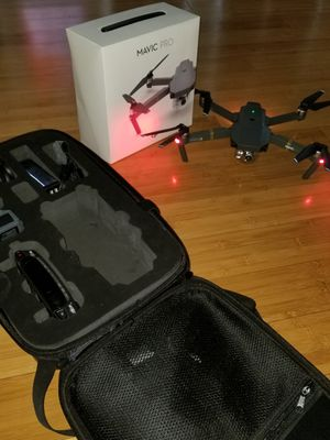 DJI Mavic Pro w/ Vivitar carrying case for Sale in Stone Mountain, GA