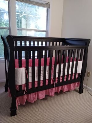 Baby crib to toddler bed for Sale in Princeton, NJ