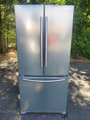 Samsung stainless steel fridge good working condition for Sale in Denver, CO