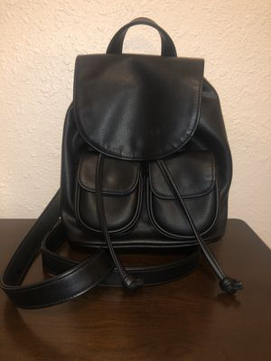 Small black leather backpack for Sale in South Gate, CA