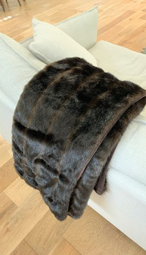 Faux Fur Throw Blanket from Nieman Marcus for Sale in Los Angeles, CA