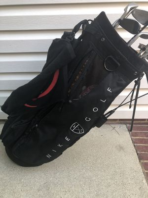 Nike Gold Bag Stand with Clubs for Sale in Greenville, SC