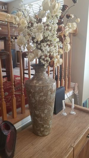Pier one vase with flowers for Sale in Bluffdale, UT