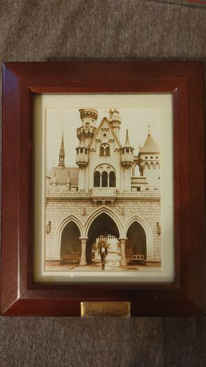 Walt Disney Limited Edition Picture Box and Watch (1999) for Sale in Queens, NY