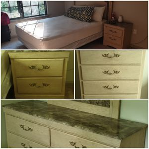 Bedroom set - Queen for Sale for sale  Roswell, GA