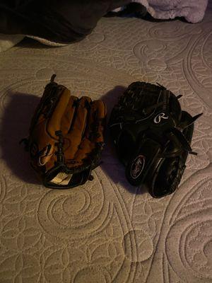 Baseball gloves for Sale in Antioch, CA