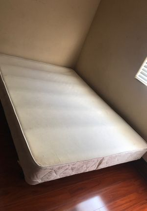 Full box mattress with metal frame for Sale in El Cajon, CA