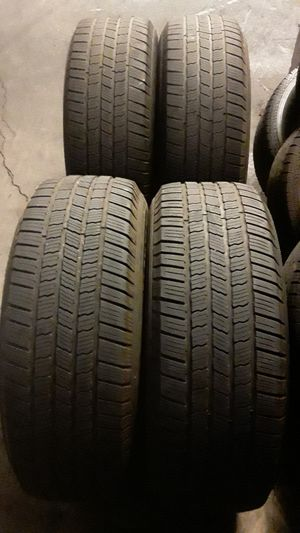 Set of Michelin Tires 265/70 R17 for Sale in Garden Grove, CA