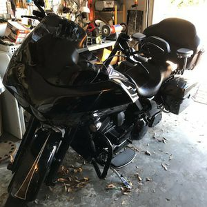 HD Road Glide Ultra To Trade For Boat Of Same Value for Sale in Valrico, FL