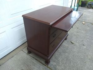 Write Away Cavalier Desk 3 Drawers pull out fesk for Sale in La Center, WA