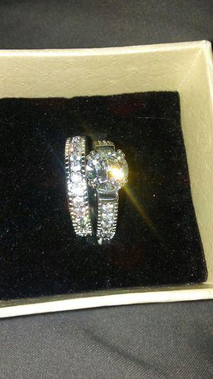 VINTAGE WHITE TOPAZ DIAMONIQUE RING SET SIZE 7 for Sale in Boston, MA