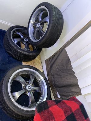 Motegi rims 18 inch 5x114.3 for Sale in Pottsville, PA