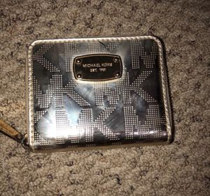 Micheal Kors small wallet for Sale in Alexandria, VA