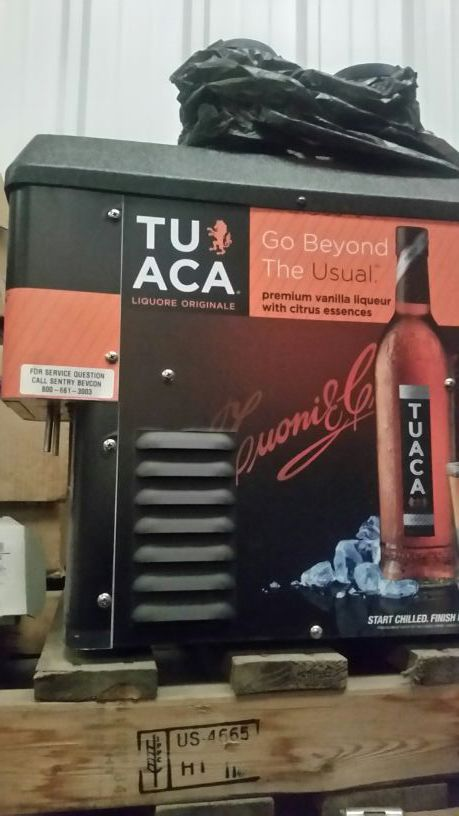 Shot chiller Tuaca branded