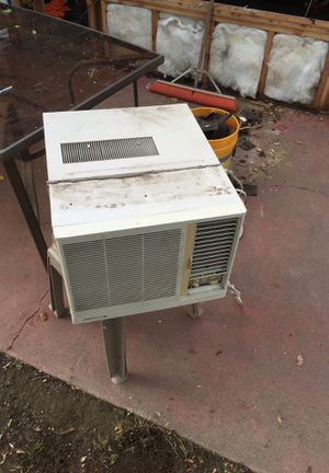 FREE working Wall AC unit for Sale in Livermore, CA