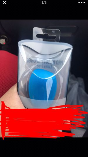 Beauty blender if anyone interested let me know for Sale in Phoenix, AZ