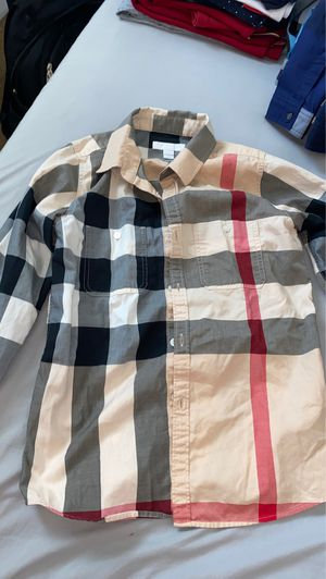 Burberry size 10 for Sale in Lincoln Acres, CA
