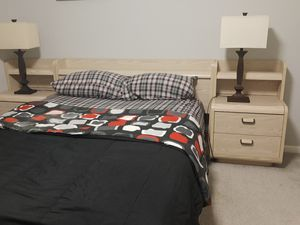 Queen Bedroom set for Sale in Glendale Heights, IL