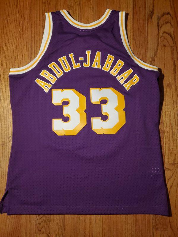 LARGE Kareem Abdul-Jabbar Lakers Jersey