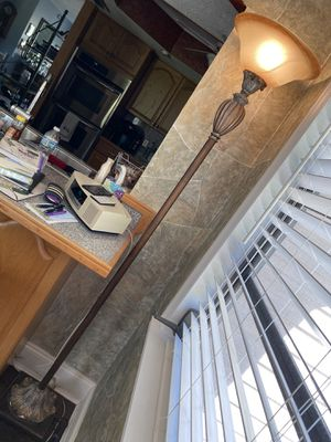 Floor lamp for Sale in Fort Pierce, FL