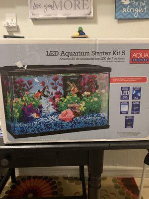 A la venta Fish tank peceras de 5 galones for Sale in Miami, FL
