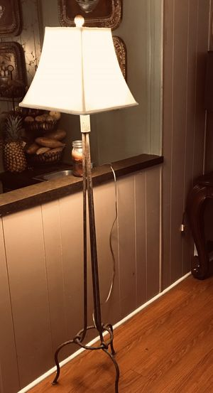 5 feet Floor lamp! for Sale in Homeland, CA