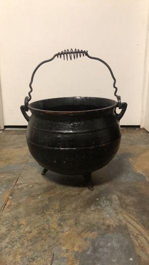5gallon iron pot with handle for Sale in Villa Rica, GA