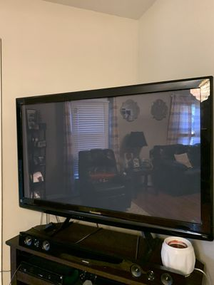 50-55 inch tv for Sale in Dublin, PA