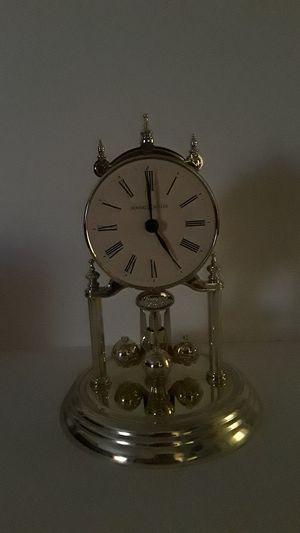 Antique Howard Miller Clock for Sale in Fresno, CA