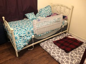 Twin bed with mattress for Sale in SOUTH BASE, GA