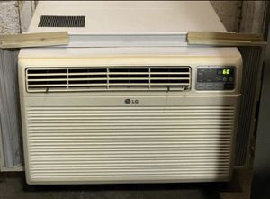 LG Window Air Conditioner AC with Remote 18,000 Btu 230v for Sale in Hampton, VA