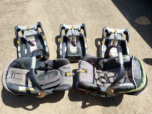 Chico car seats with Extra Bases for Sale in Richardson, TX