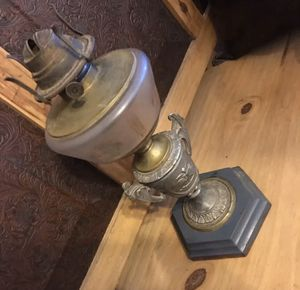 Late 1800s French antique oil lamp for Sale in Henderson, NV