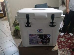 BRAND NEW Line Cutterz Edition Cooler by LiT Coolers - TS 300-22 qt. - White Lights for Sale in Nampa, ID