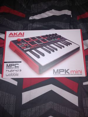 Akai Pro MPK Mini Keyboard for Sale in Asheville, NC