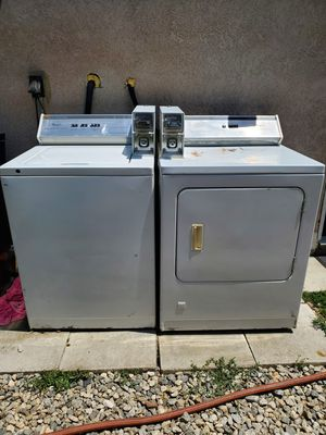 Whirlpools coin washer and dryer combo for Sale in Lake View Terrace, CA