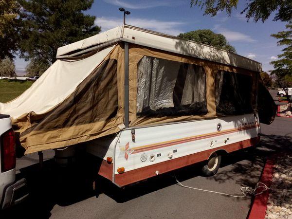 1980 StarCraft pop up camper