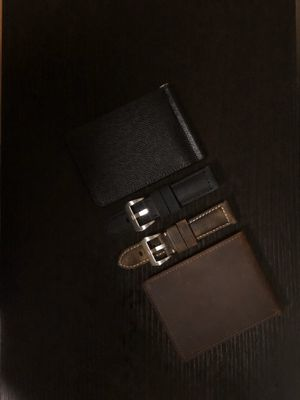 Premium Italian Calf Leather Apple Watch Straps and Full Grain Leather Wallet for Sale in Concord, CA