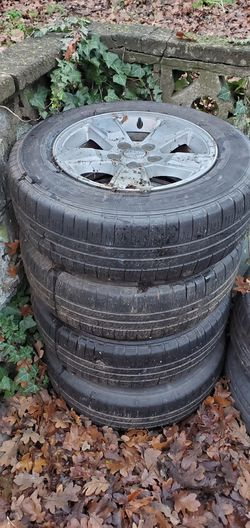 4 jeep tires with wheels P205/70 r16 for Sale in Seattle,  WA