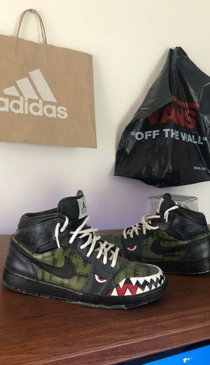 Custom Jordan 1 mids for Sale in Huntersville, NC